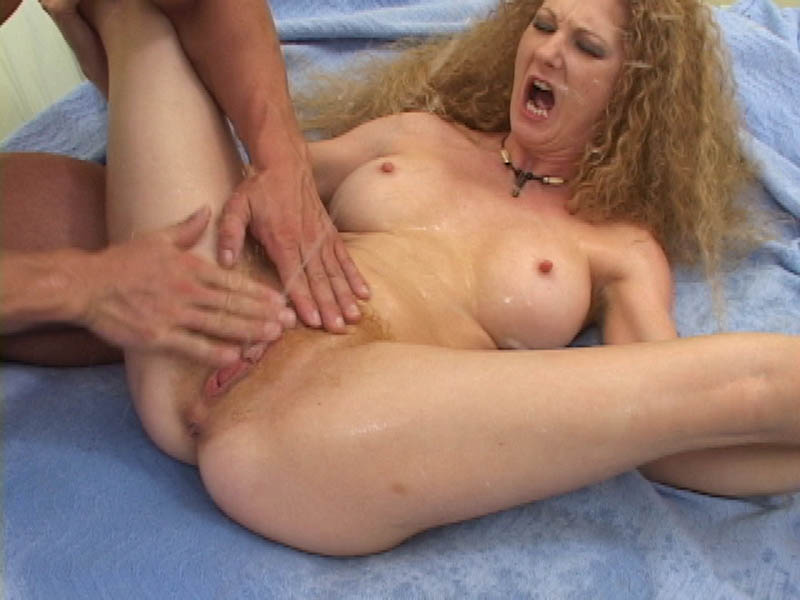 Love redhead annie body milf cruiser beatiful